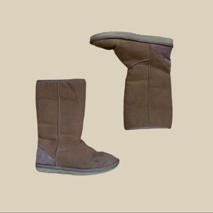Ugg Classic Brown Boots Size w7